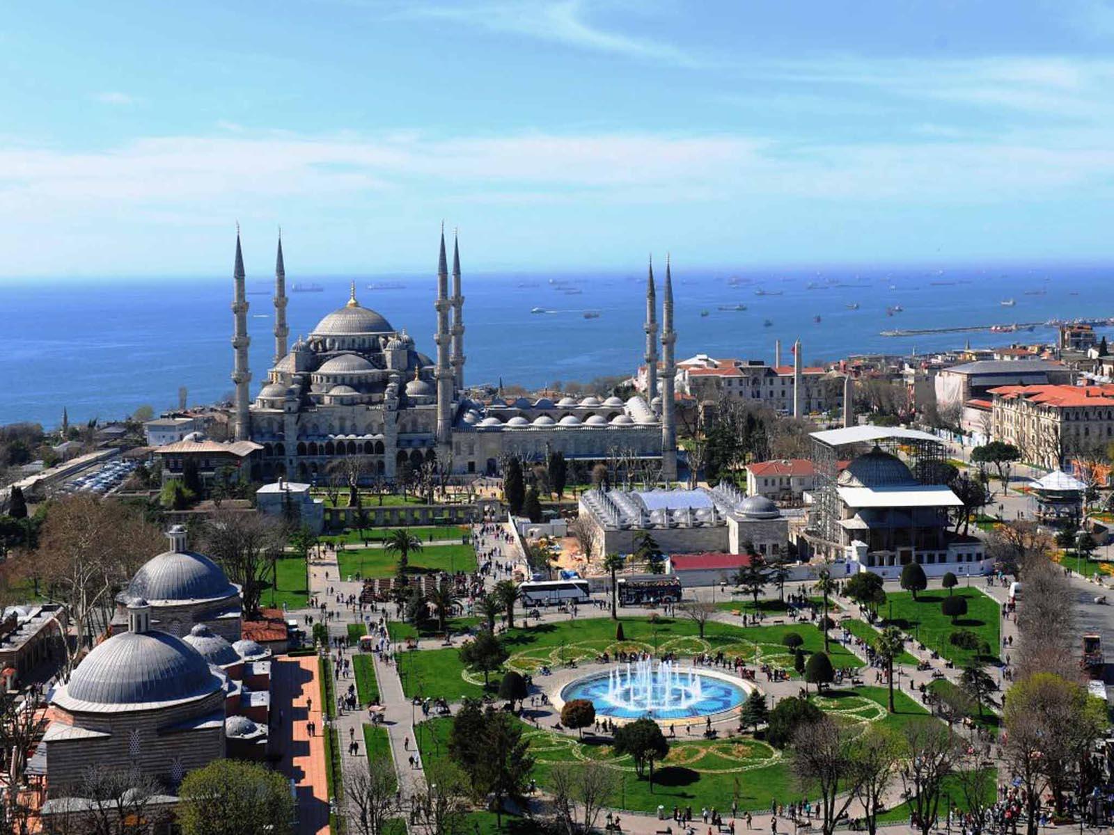 The Blue Mosque Istanburlpress image and creditwww.gototurkey.co.uk